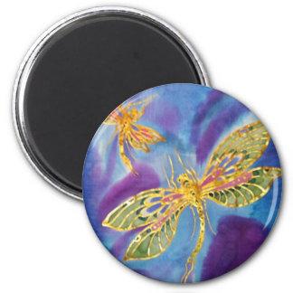 Imán de la libélula: Seda pintada por Cyn Mc