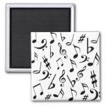 Imán de las notas musicales - blanco y negro