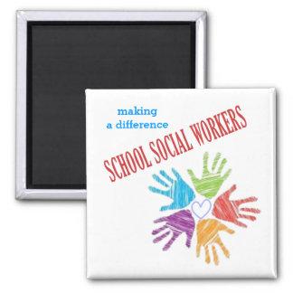 Imán de los asistentes sociales de la escuela