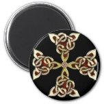 Imán de oro de la cruz céltica