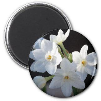 Imán de papel de las flores de blancos