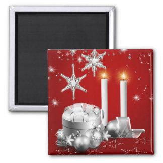Imán de plata y rojo elegante del navidad