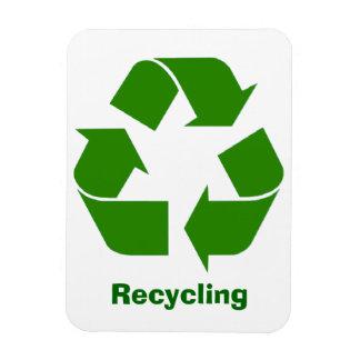 Imán de reciclaje verde de la muestra