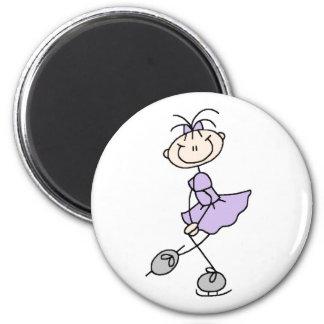 Imán del chica del patinaje de hielo de la lila