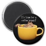 Imán del Chipmunk del descanso para tomar café