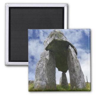 Imán del cuadrado del dolmen de Leganany Imanes