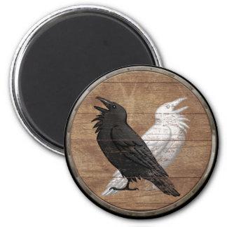 Imán del escudo de Viking - los cuervos de Odin