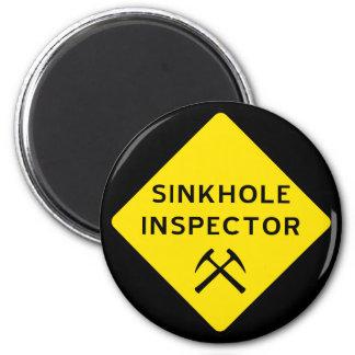 Imán del inspector de la dolina