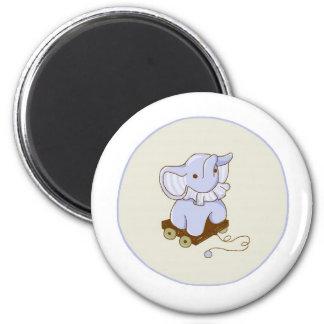 Imán del juguete del tirón del elefante del vintag
