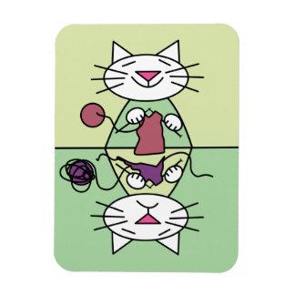 Imán del lavaplatos del gatito que hace punto