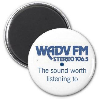 Imán del logotipo de los años 70 de WADV