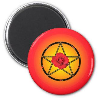 Imán del Pentagram del rosa rojo