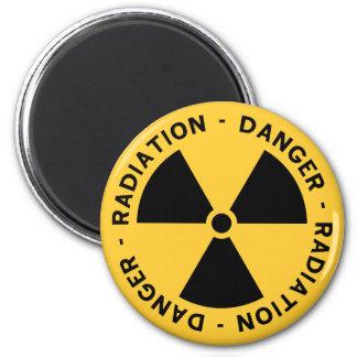 Imán del símbolo de la radiación