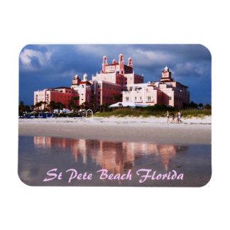 Imán del St Pete Bea Flexi del castillo de la aren