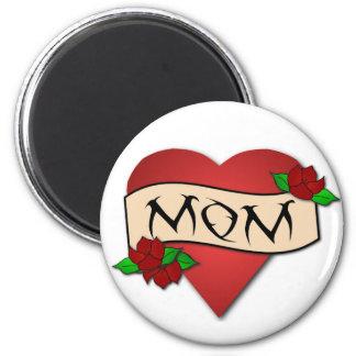 Imán del tatuaje del corazón de la mamá
