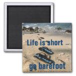 Imán descalzo de la inspiración de la playa