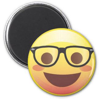 Imán feliz de Emoji de los vidrios Nerdy