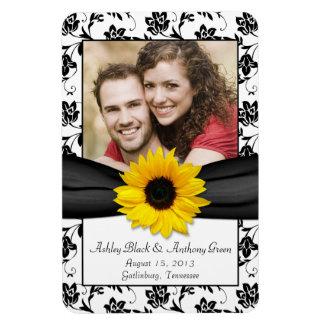 Imán floral blanco negro de la foto del boda del g