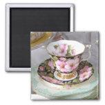 Imán floral del refrigerador de la taza de té