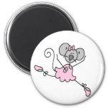 Imán gris de la bailarina del ratón