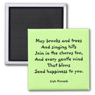 Imán irlandés del proverbio de la felicidad