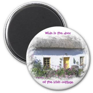 Imán irlandés florido de la cabaña