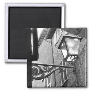 Imán italiano de Scrollwork del poste de la lámpar
