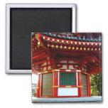 Imán japonés de la pagoda del templo