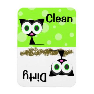 Imán limpio/sucio del gato negro lindo del lavapla