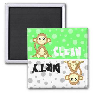 Imán limpio sucio del mono lindo del lavaplatos