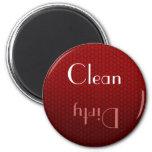 Imán limpio y sucio rojo del lavaplatos