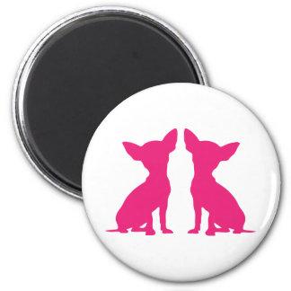 Imán lindo de la silueta del perro rosado de la ch
