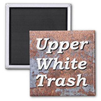 Imán oxidado superior de la basura blanca