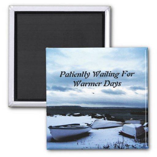 Imán pacientemente que espera