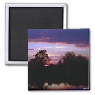 Imán púrpura de la puesta del sol