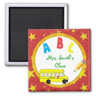 Imán rojo D2 del profesor del autobús escolar