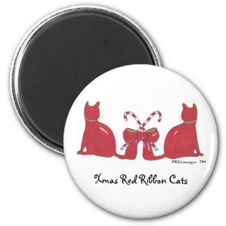 Imán rojo de los gatos de la cinta de Navidad