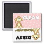 Imán rosado limpio/sucio del mono lindo del lavapl