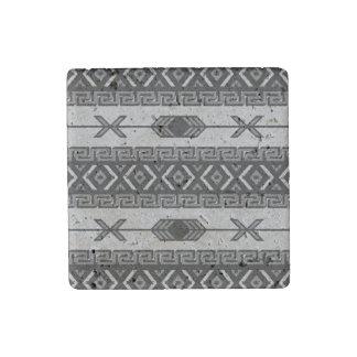 Imán rústico azteca tribal del travertino del imán de piedra