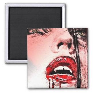 Imán sangriento hermoso del vampiro