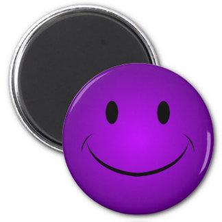 Imán sonriente púrpura de la cara