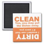 Imán sucio limpio anaranjado del lavaplatos de la
