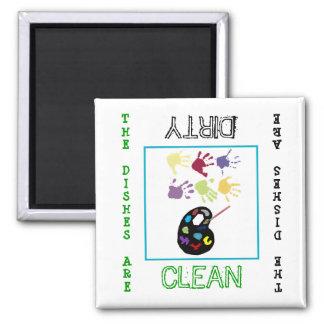 Imán sucio limpio del lavaplatos del arte