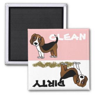 Imán sucio limpio del lavaplatos del beagle lindo