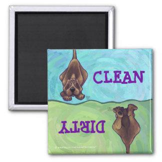 Imán sucio limpio del lavaplatos del perro de caza