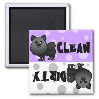 Imán sucio limpio negro del lavaplatos de Pomerani