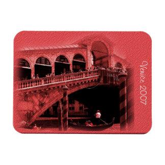 Imán - tinte del coral del puente de Rialto