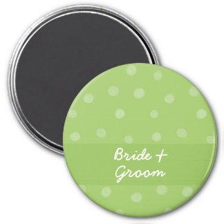 Imán verde pintado del boda de los puntos