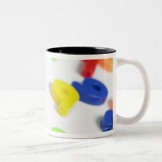 Imanes del número taza de café de dos colores