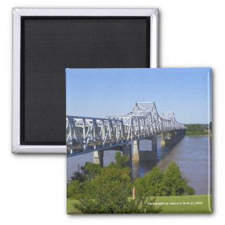 Imanes del puente del río Misisipi